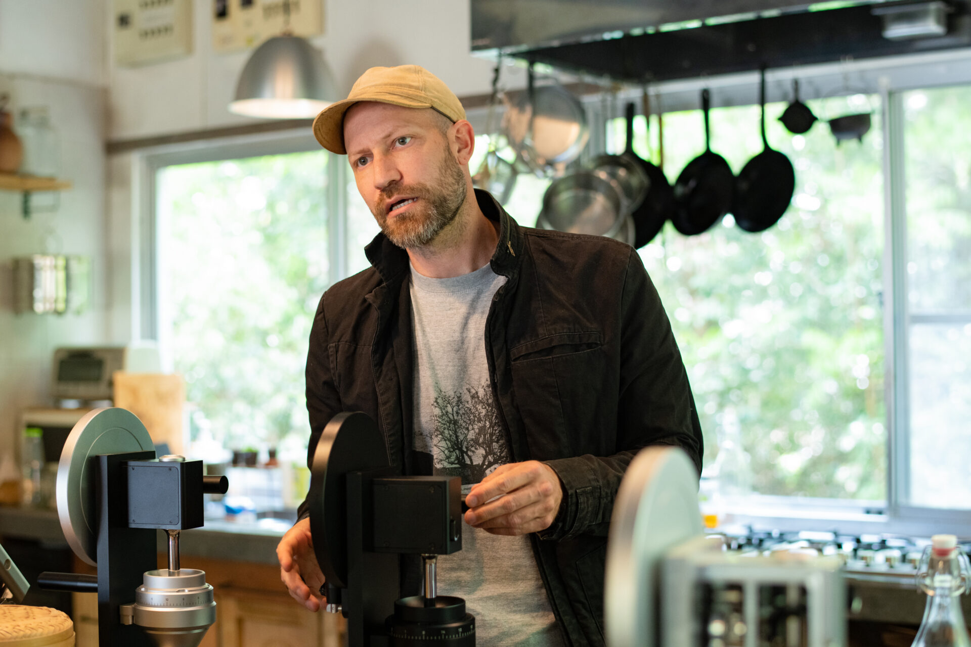 How This Former Apple Engineer Uses Coffee Equipment to Create 5 Minutes of Bliss | DIG THE TEA