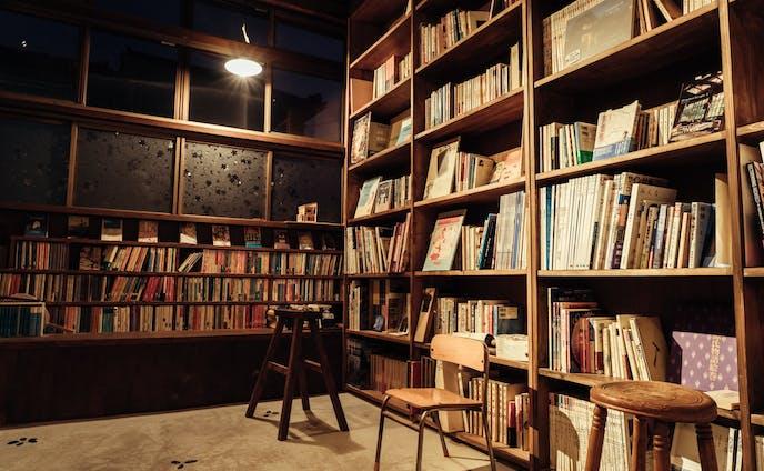夜の図書館 210714
