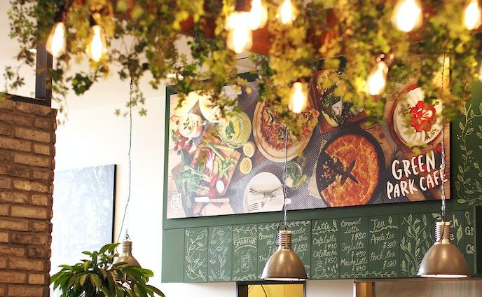 スイーツショップ&カフェのブランディングデザイン
