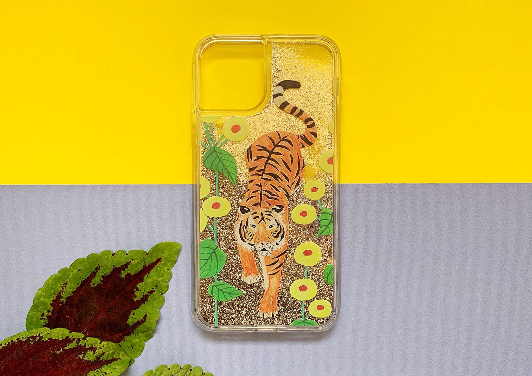 【iPhone11 Pro Max 新型対応】虎ちゃん iPhone グリッターケース-1