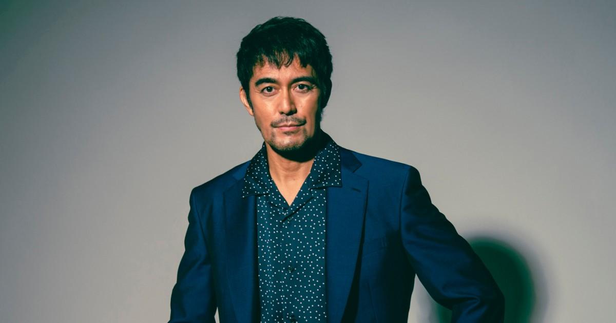 映画「護られなかった者たちへ」出演の阿部寛さんインタビュー 人間の罪が生まれていく過程、繊細に|好書好日