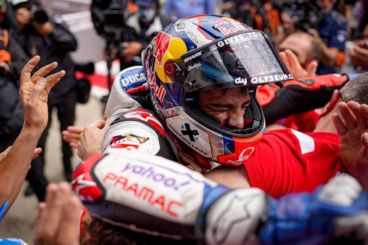 MotoGPコラム/第10戦スティリアGP:歓喜の初優勝を飾った新人マルティンがクアルタラロに見せた走り。その適応力とメンタルの強さ