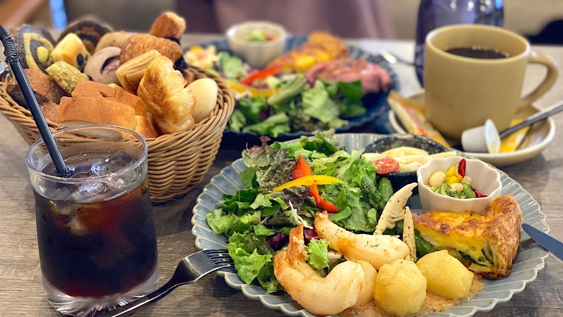 【名古屋市天白区】パン食べ放題付き。デリサラダプレートが大人気!「Large Cafe」 - 土庄雄平 | Yahoo! JAPAN クリエイターズプログラム