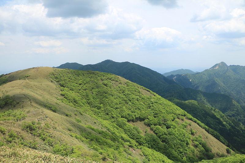 鈴鹿随一の稜線を誇る「雨乞岳」へ!武平峠から日帰り登山